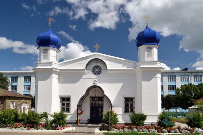 Храм Рождества Пресвятой Богородицы в Алатыре
