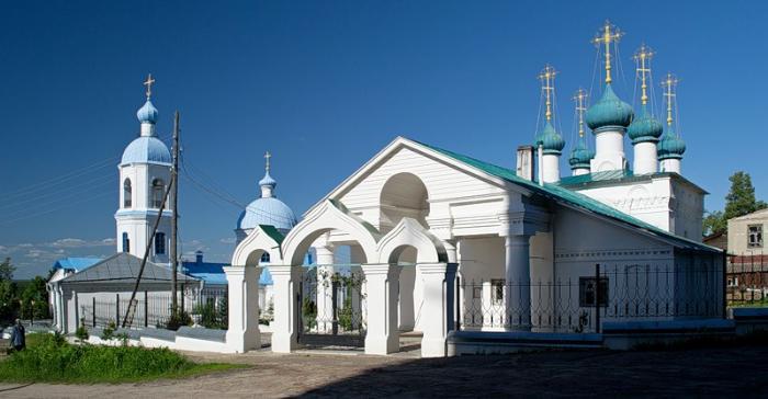 Однопрестольный храм Божией Матери Иверской в Алатыре