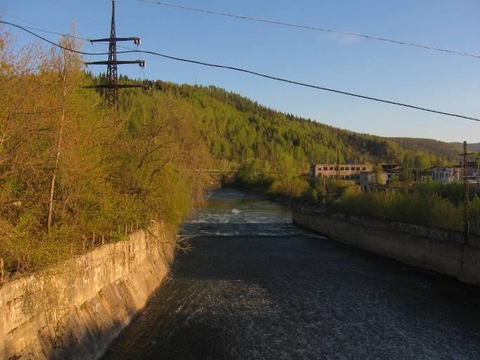 Водоспуск плотины Миньярского пруда