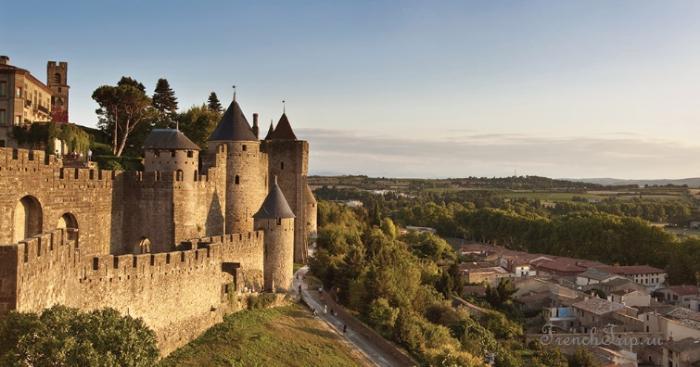 Carcassonne (Каркасон), Франция- достопримечательности, путеводитель по городу- Топ 10 самых красивых небольших городов Франции