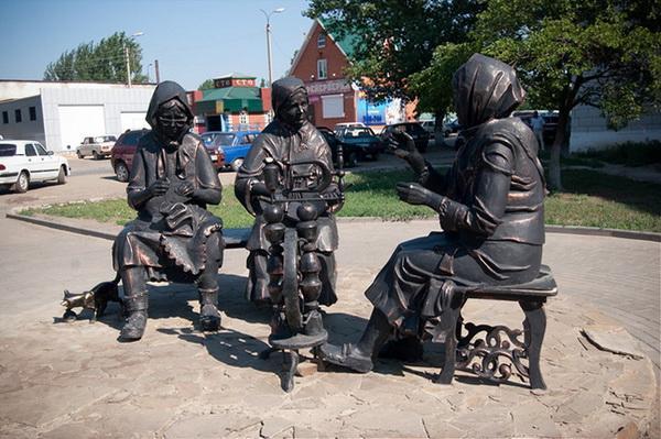 Композиция, посвященная бабушкам-рукодельницам Урюпинска