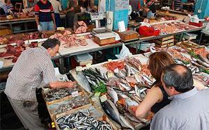 Рыбный рынок Альтона - одна из достопримечательностей Гамбурга