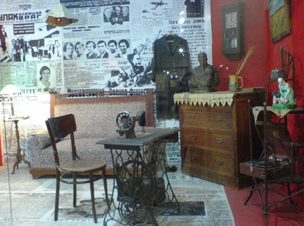 Внутри дома ремесел и фольклора