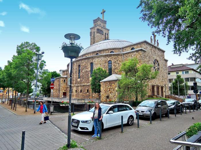 Церковь Сердца Христова в городе Пфорцхайм 1