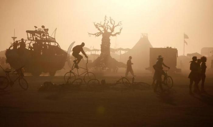 Фестиваль Burning man в пустыне Блэк Рок