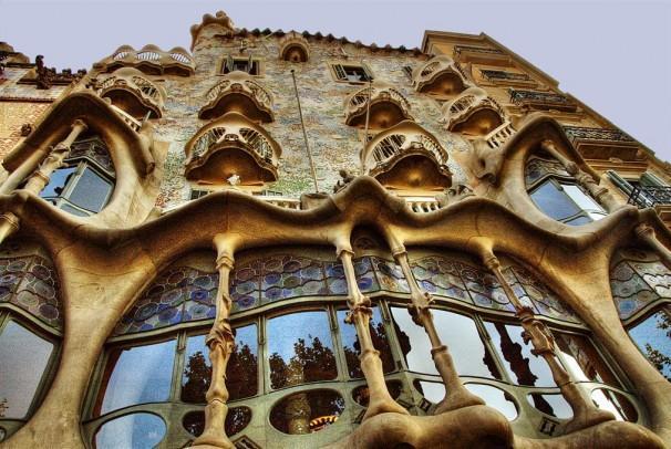 Дом Бальо - одна из самых красивых достопримечательностей в Барселоне