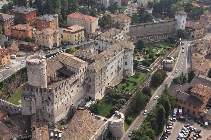 Замок в Тренто (Castello del Buonconsiglio)