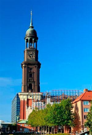 Церковь архангела Михаила в Гамбурге