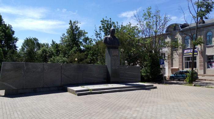 Памятник А. Н. Туполеву