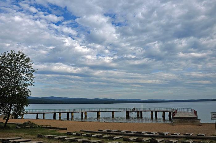 Пляж на озере Большой Кисегач