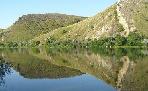 горы Две сестры в Ростовской области фотография