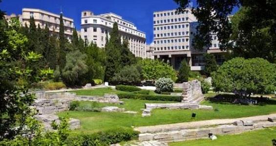 """Парк """"Сад руин"""" в Марселе"""