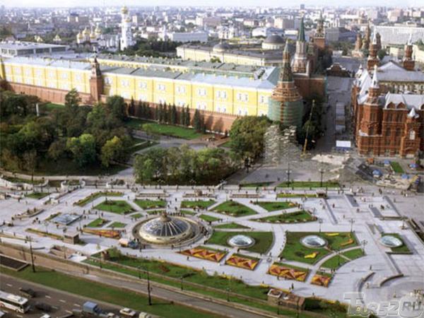 москва фото манежная площадь часы мира кремль