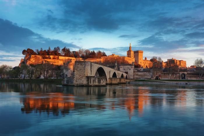 10 самых красивых городов Франции - Авиньон, папский город