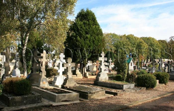 Кладбище Сент-Женевьев-де-Буа 4