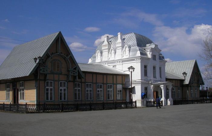 Железнодорожный вокзал Верхотурья