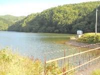 Вот оно- водохранилище города Шахтерск. С этого места в дома жителей города поступает вода.