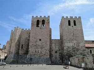 Аббатство Святого Виктора также стоит посмотреть в Марселе во Франции
