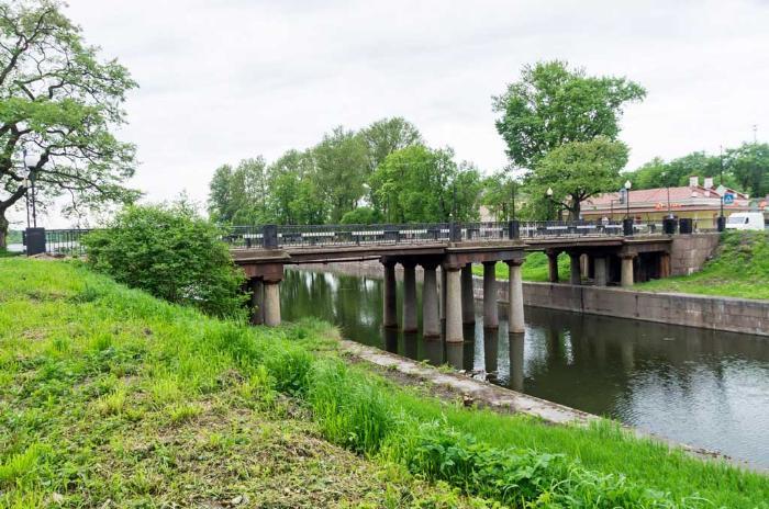 Шлиссельбург, Петровкий мост