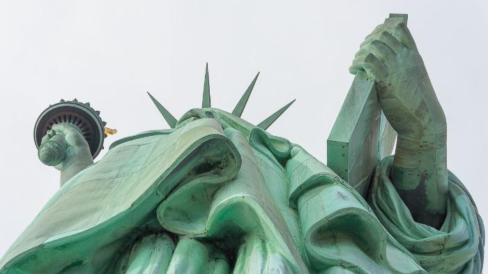 Статуя Свободы снизу