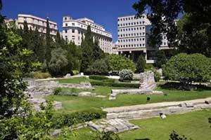 Сад руин это еще одна известаня достопримечательность МАрселя во Франции