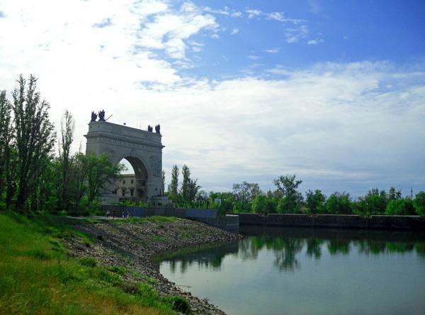Тринадцатый шлюз Волго-Донского канала