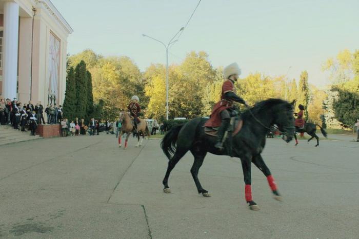 Конный театр Нарты, Владикавказ