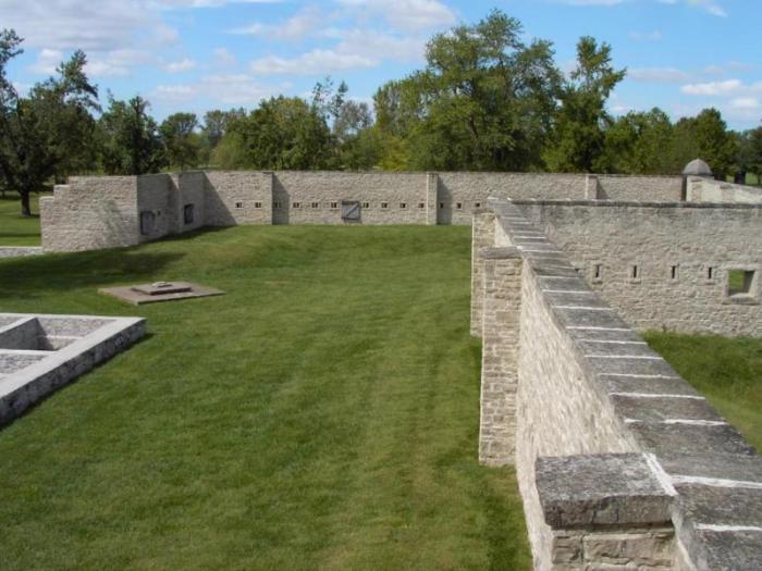Историческая достопримечательность Форт-де-Шартр в штате Иллнойс