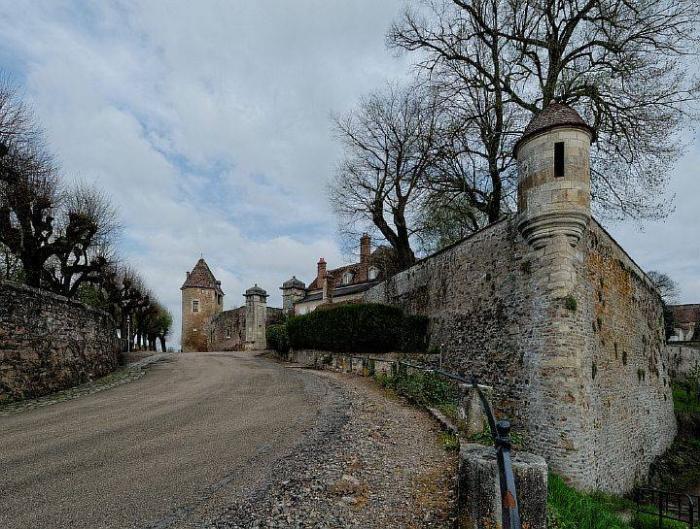 Крепостные стены Аваллона