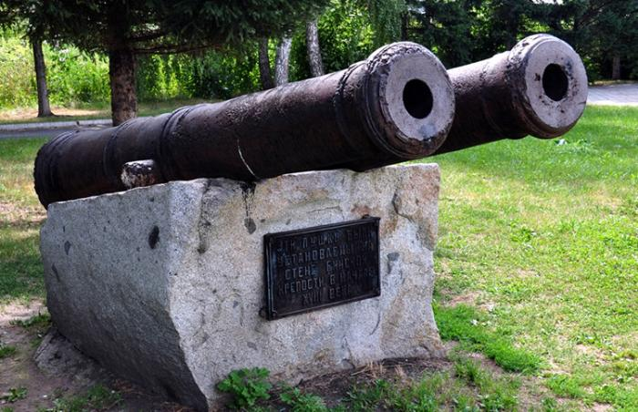 Пушки Бийской крепости