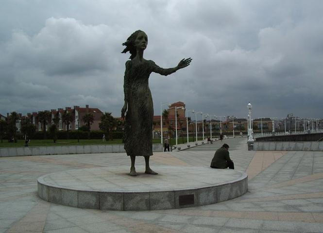 Скульптура «Мать Эмигранта»