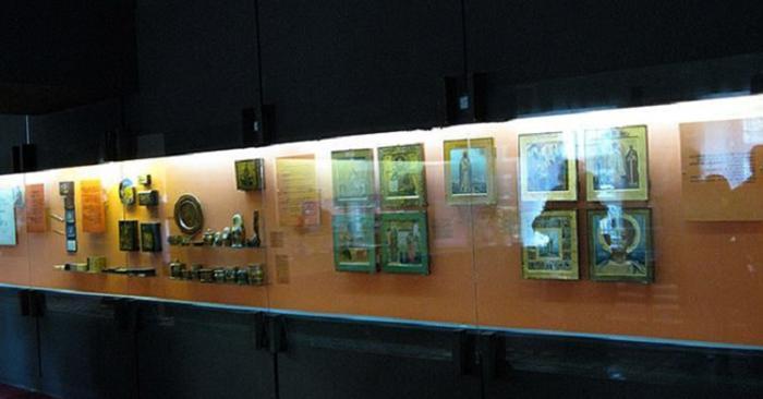 Внутри музея миниатюры