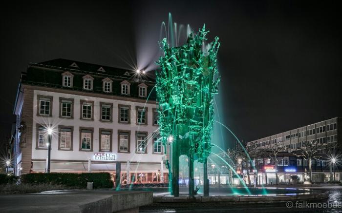 Карнавальный фонтан