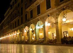 Вечерняя площадь Листон, Керкира (Корфу)