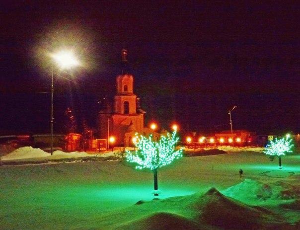 Свято-Георгиевский храм ночью