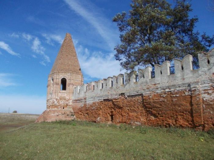 Фото древних стен Севского монастыря