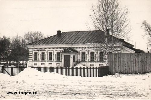 Здание заводской кассы в 1980-х годах