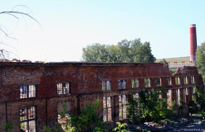 Руины Михайловского завода