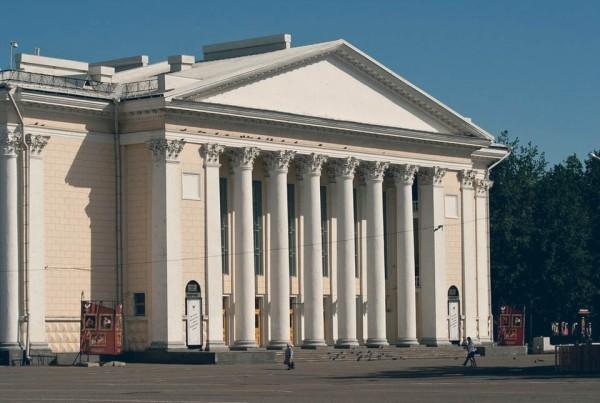фото архитектуры драмтеатра