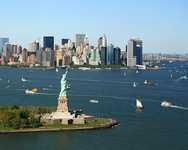 Статуя Свободы на острове в Америке