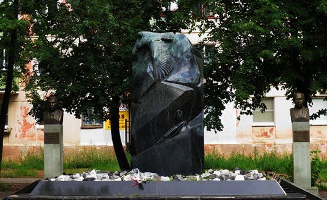 Памятник воинам, погибшим в локальных военных конфликтах в Чайковском