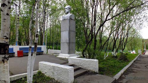 Памятник П. И. Чайковскому