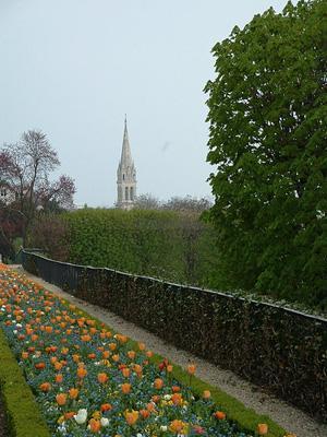 вид на церковь Сен-Клу