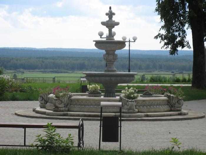 Фонтан в городском парке Козельск