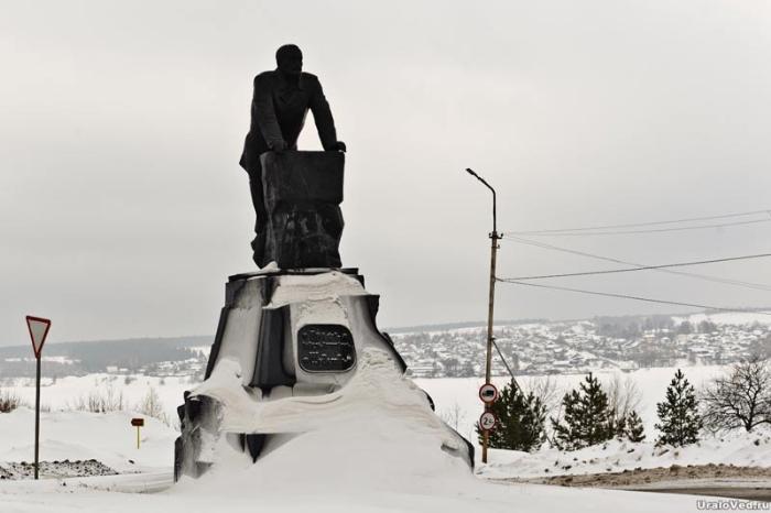 Памятник графу Шувалову