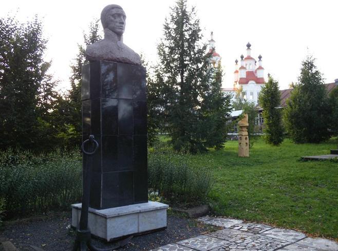 Памятник Ивану Кускову