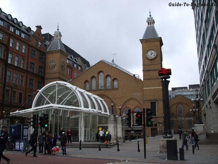 Достопримечательности на востоке от улицы Бишопсгейт, Лондон, Великобритания