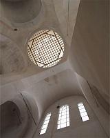 Фото: Покровский монастырь в Хотькове, внутри восстановленного Никольского собора