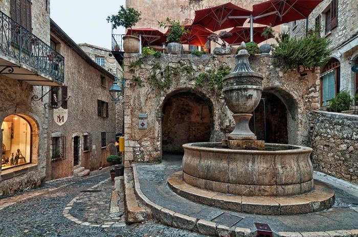 Saint Paul de Vence (Сен-Поль-де-Ванс), Прованс, Франция - путеводитель по городу, достопримечательности.