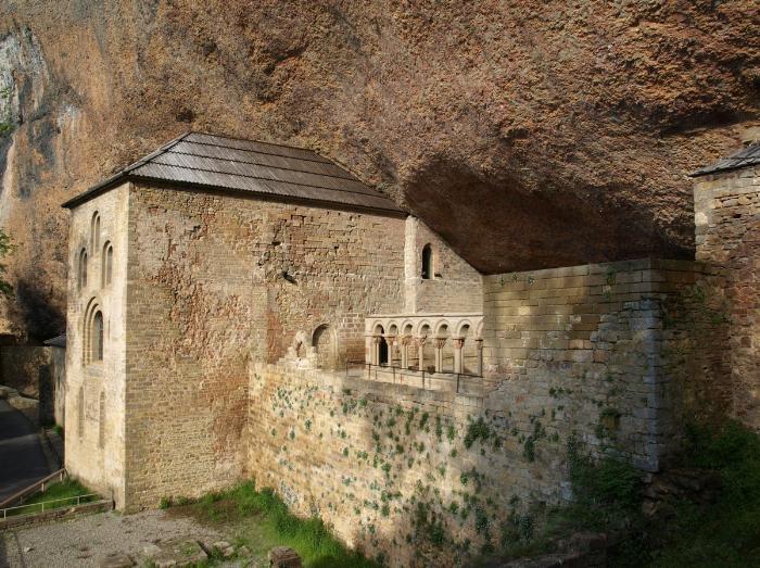 Горный монастырь Сан Хуан де ла Пенья (San Juan de la Peña)